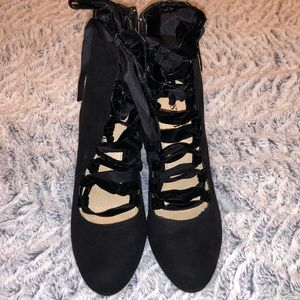 Goth or steam punk booties. Never worn. Lace up!